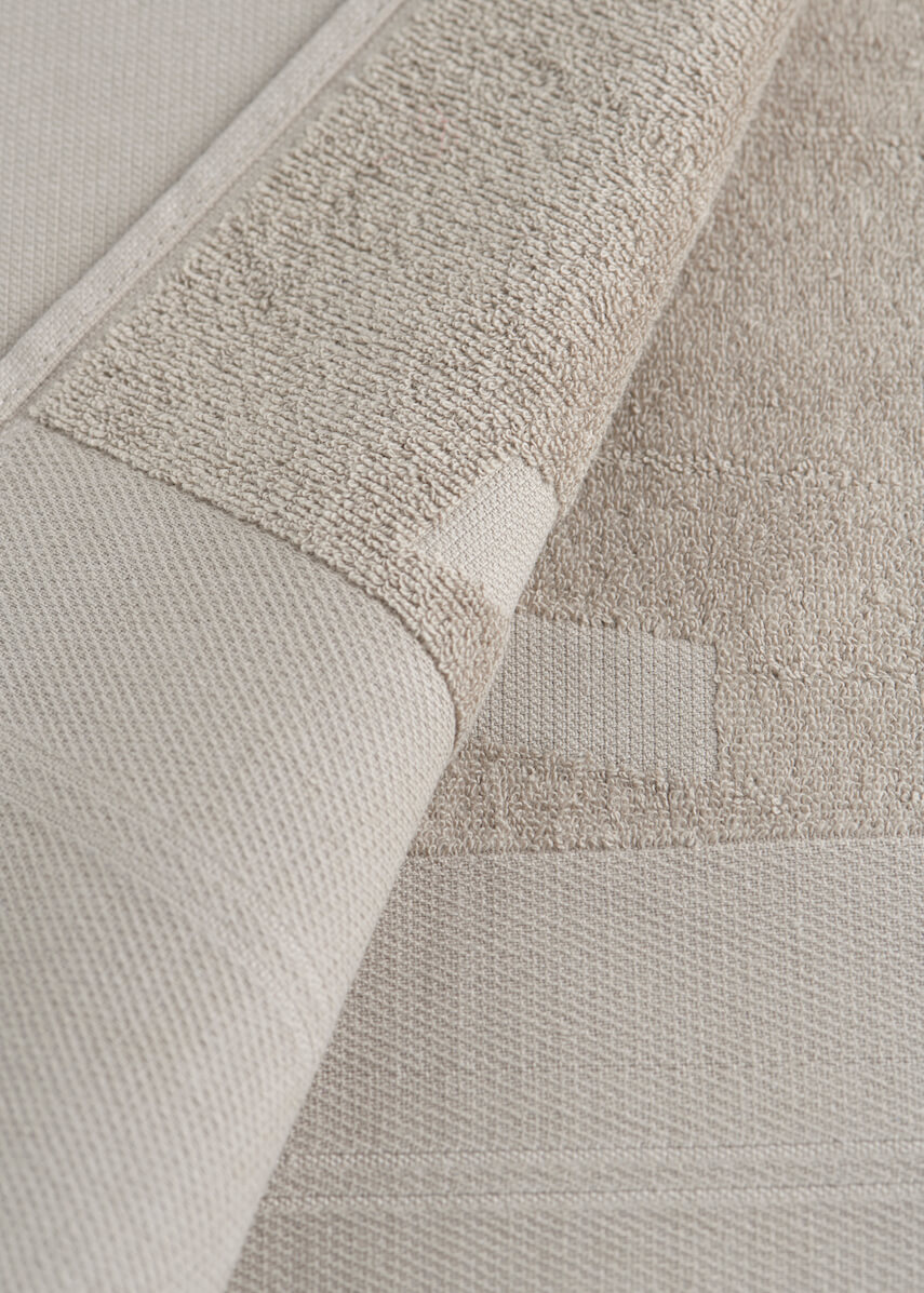 Grey WAY beach towel terry cotton detail close-up